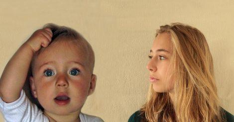 Отец еженедельно снимал свою дочь