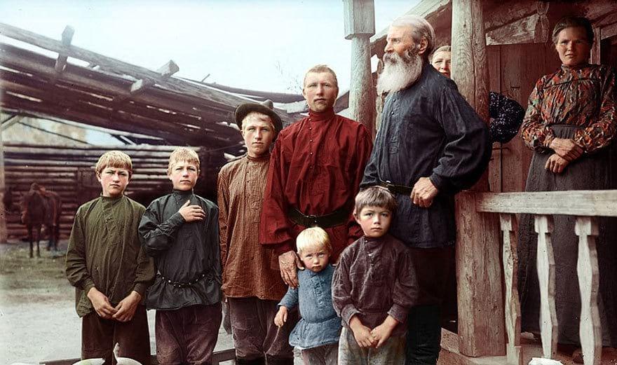 Крестьянская семья из-под Екатеринбурга, конец девятнадцатого века