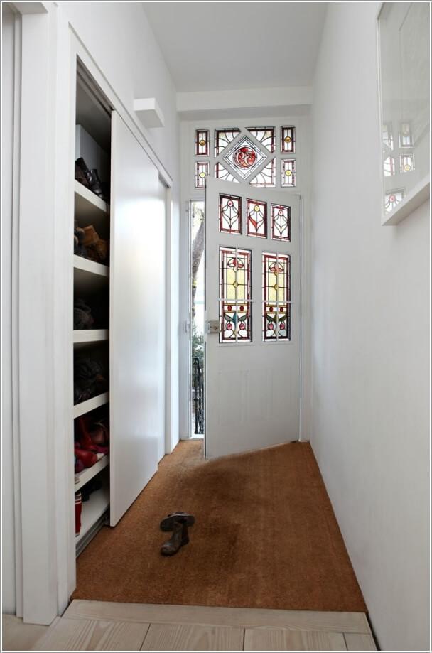 4. Установите полки и установите раздвижные двери.