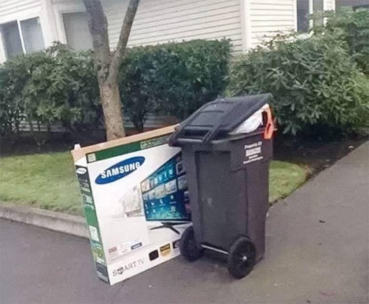Чтобы воры не узнали о твоей покупке, подбрось коробку соседу