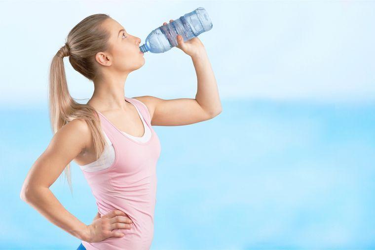 4 литра воды
