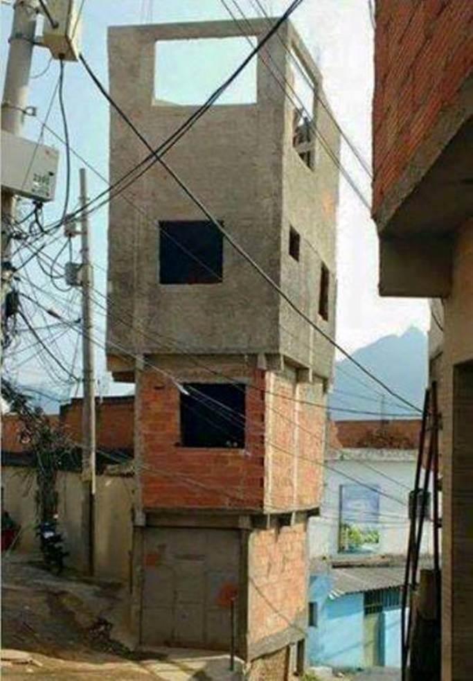 3. Это здание явно пытается игнорировать законы физики!