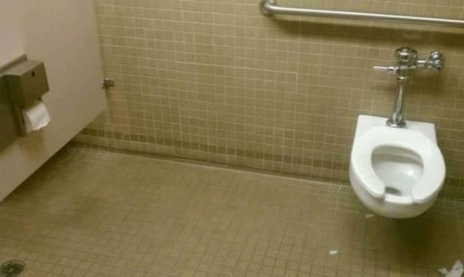 10. Вот почему туалетная бумага всегда должна быть при себе!