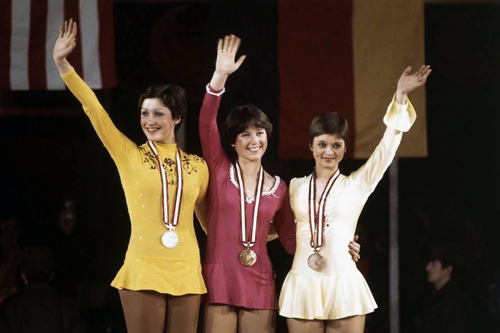 Фигуристы во время церемонии награждения, 1976.