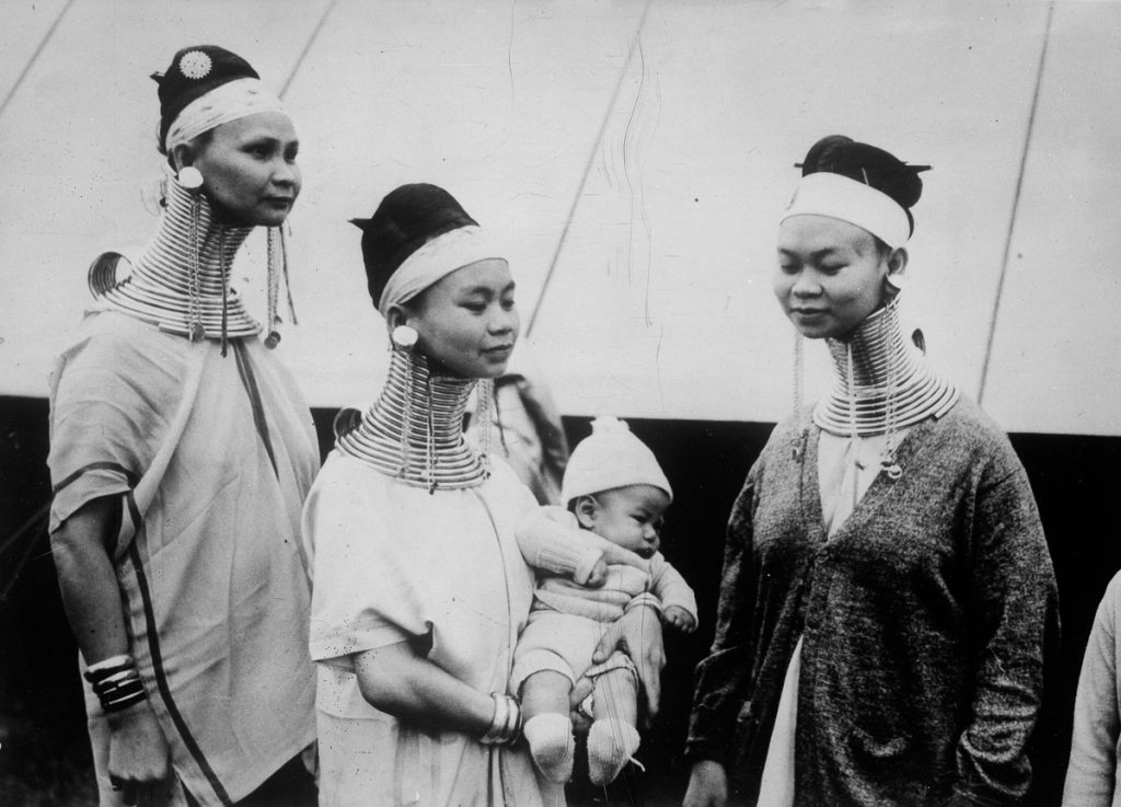 Бирманские женщины, прибывшие в Америку, 1935.