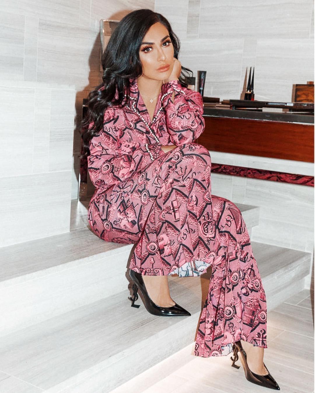 Худа Каттан - двойник Ким Кардашьян