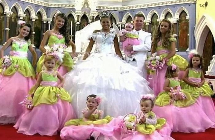 10. Эти подружки невесты и правда смотрятся необычно.