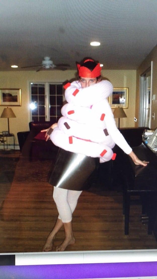Мама весь вечер мастерила мне костюм кексика, но люди воспринимали меня как девочку, которая запуталась в кишечнике