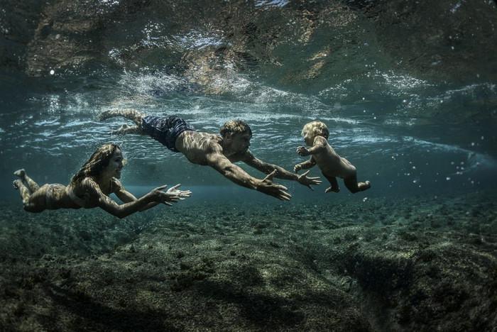 «Дитя воды». Автор фото: Родни Берсиел. Местоположение: остров Таваруа, Фиджи.