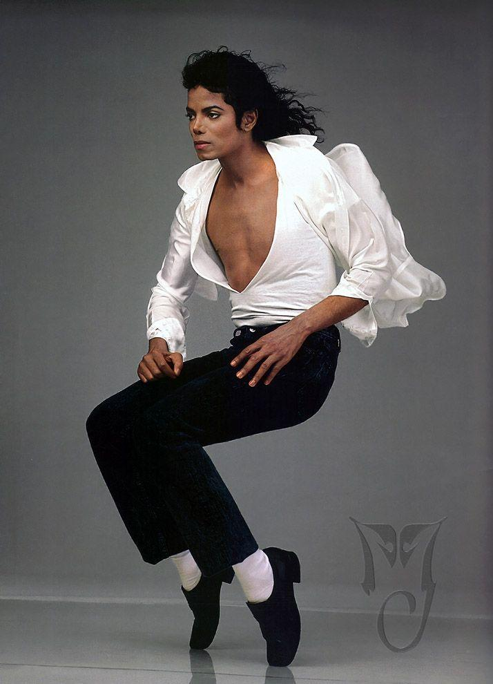 6. Поп-идол Майкл Джексон.