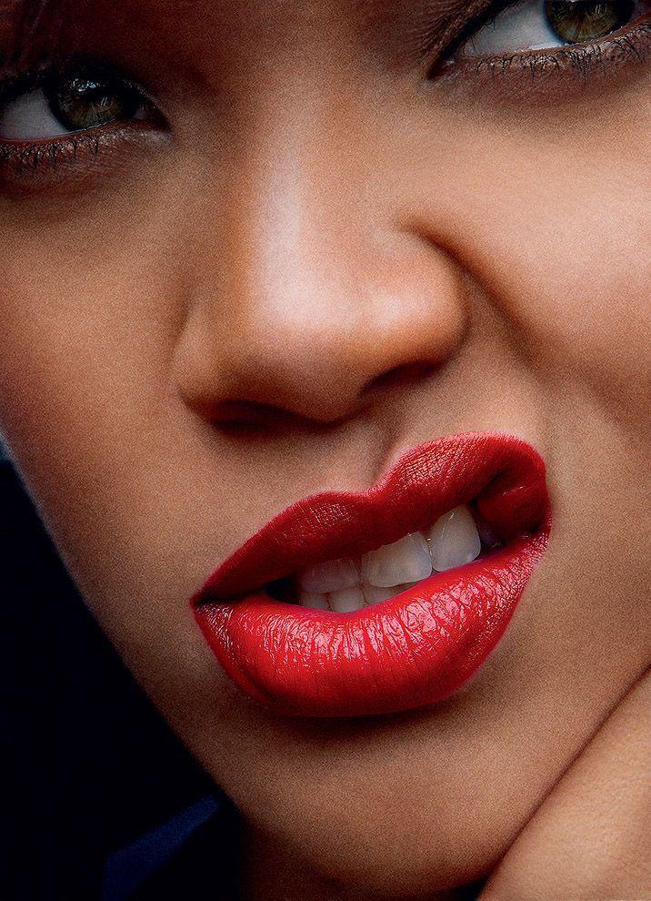 19. Рианна для журнала Vogue. Апрель 2011 года.