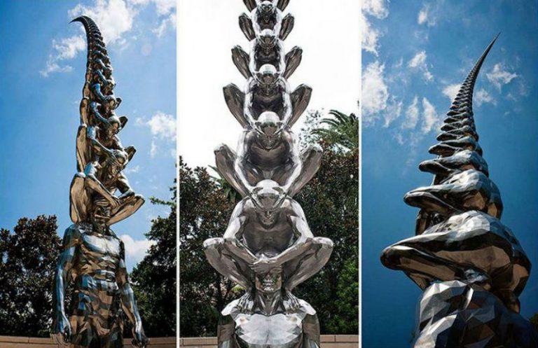 """Скульптура """"Карма"""" в Новом Орлеане от До-Хо Су."""