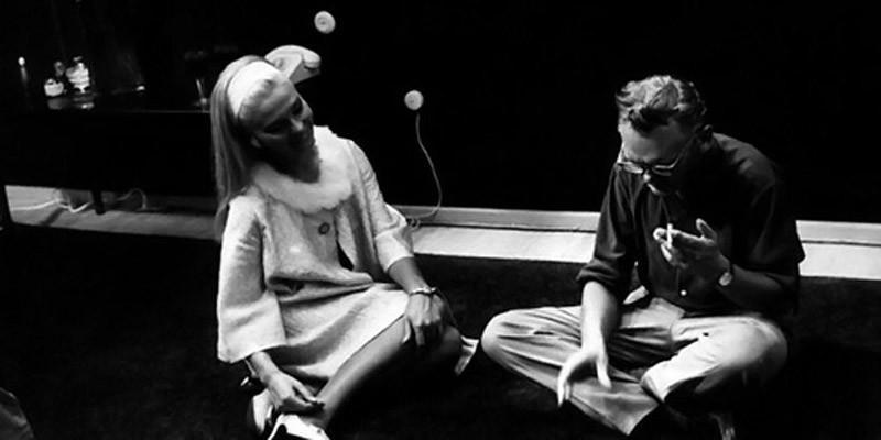 6. Л. Гайдай и С. Светличная на съемках фильма «Бриллиантовая рука».