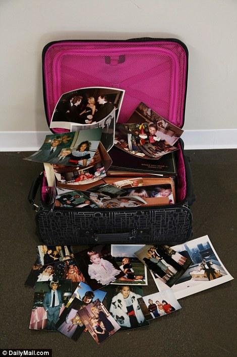 Тот самый чемодан с семейными фотографиями Трампа.