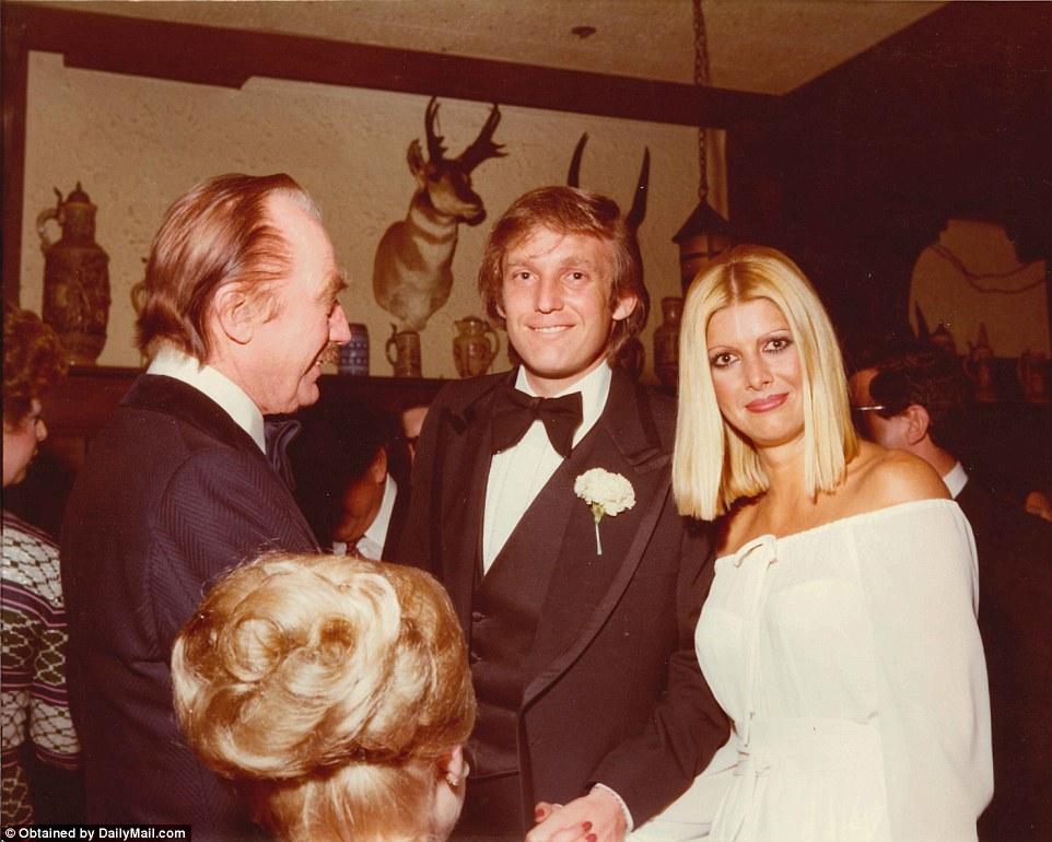 Ивана и Дональд с его отцом, Фредом Трампом.