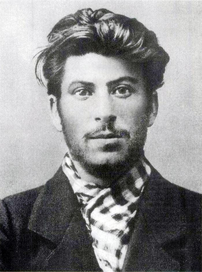 1. Иосиф Сталин в молодости, 1902