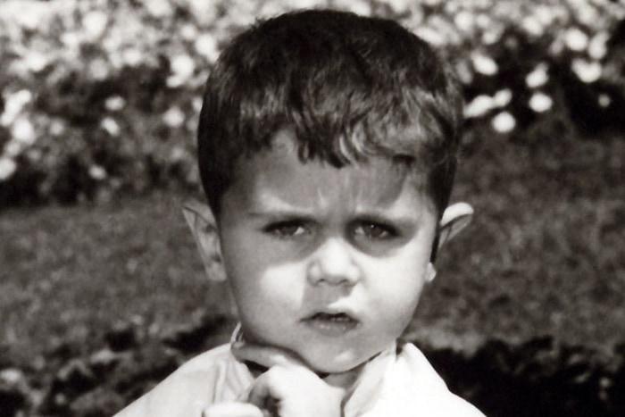 19. Башар Аль-Ассад в детстве, сейчас президент Сирии