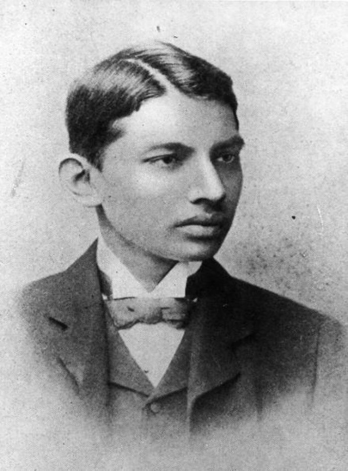 20. Махатма Ганди, 1887