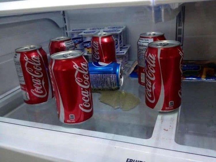 «Вчера сказала парню, которому нравится Кола, что я люблю Пепси. Сегодня увидела это»