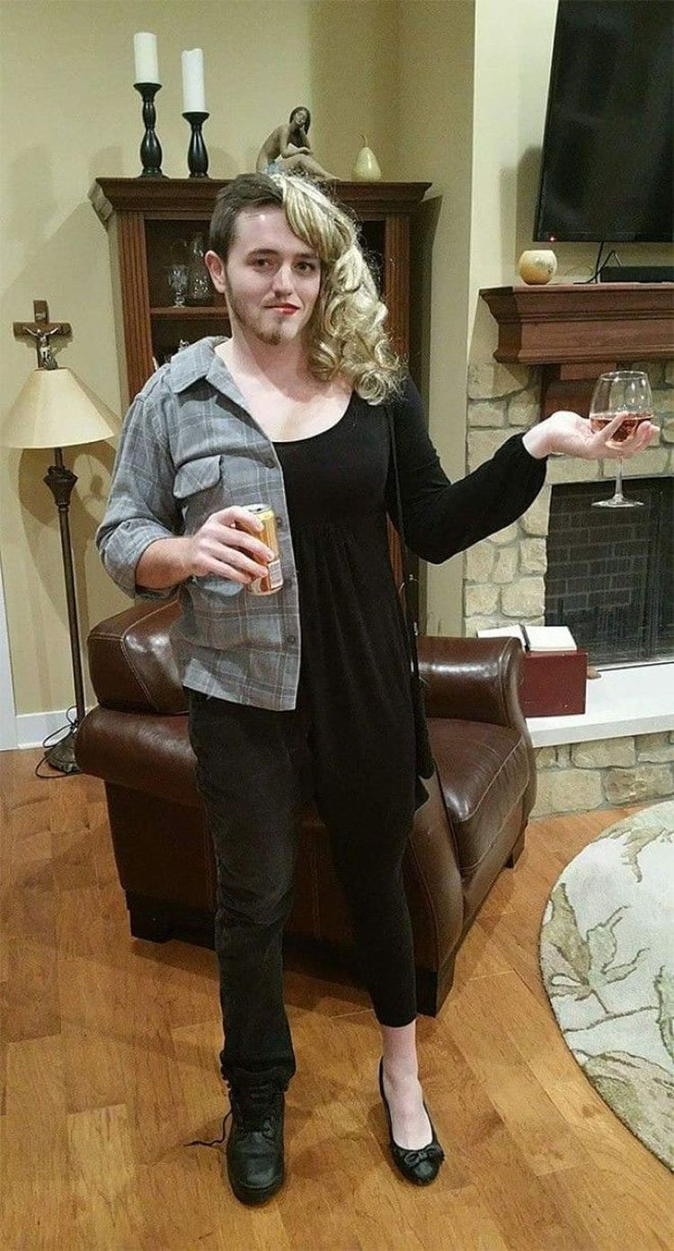 «Моему другу сказали, что ему нельзя приходить на праздник с его девушкой, так что он сделал такой костюм»