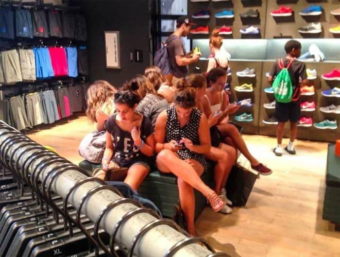 Это неправильные женщины на шоппинге