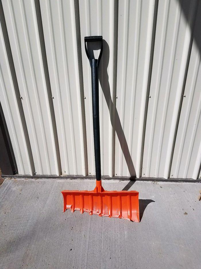20 лет этой прочной лопатой убирали снег
