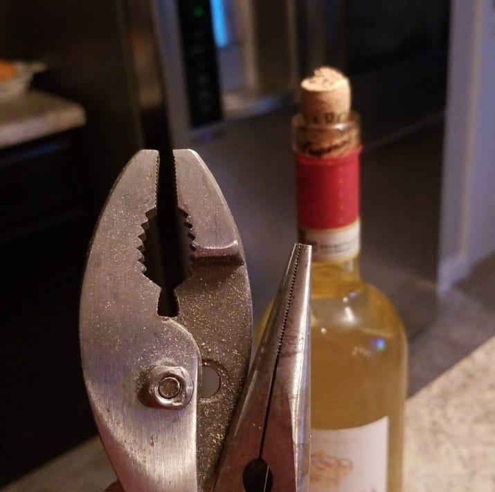 Вино… Мне срочно нужен глоток вина!