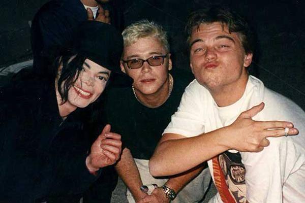 16. Майкл Джексон, Кевин Коннолли, Леонардо Ди Каприо, 1998