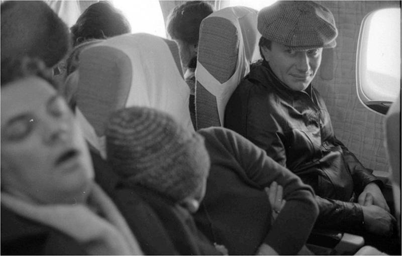 3. Андрей Миронов и Александр Ширвиндт в самолете, 1970. Фотограф — Виталий Арутюнов.