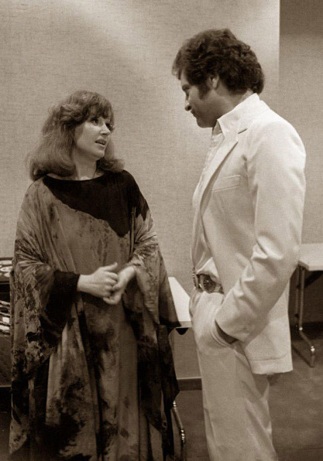 15. Алла Пугачева и Джо Дассен на открытии отеля «Космос», 1980 год.