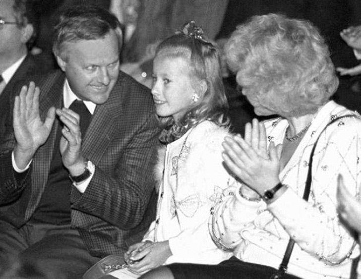 16. Ксения Собчак с родителями Анатолием Собчаком и Людмилой Нарусовой.