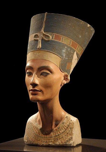 Бюст Нефертити, Новый музей Берлина.