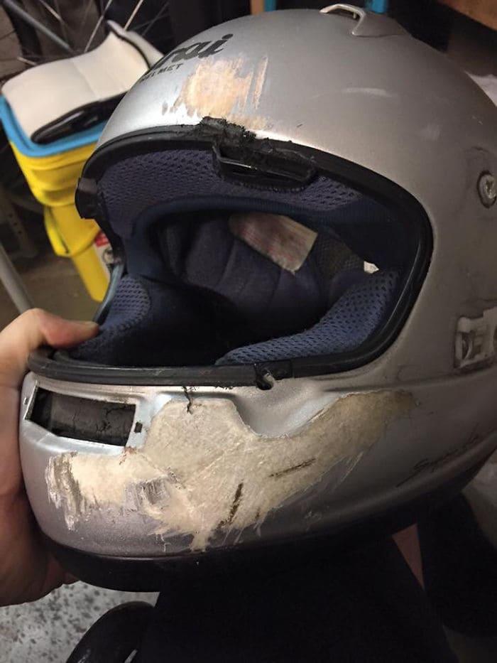 15. Ну что, всё ещё считаете, что шлем не так важен?