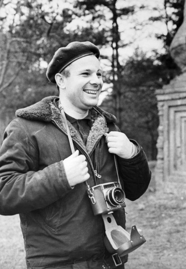 1. Гагарин — фотограф. Осень 1965 года.