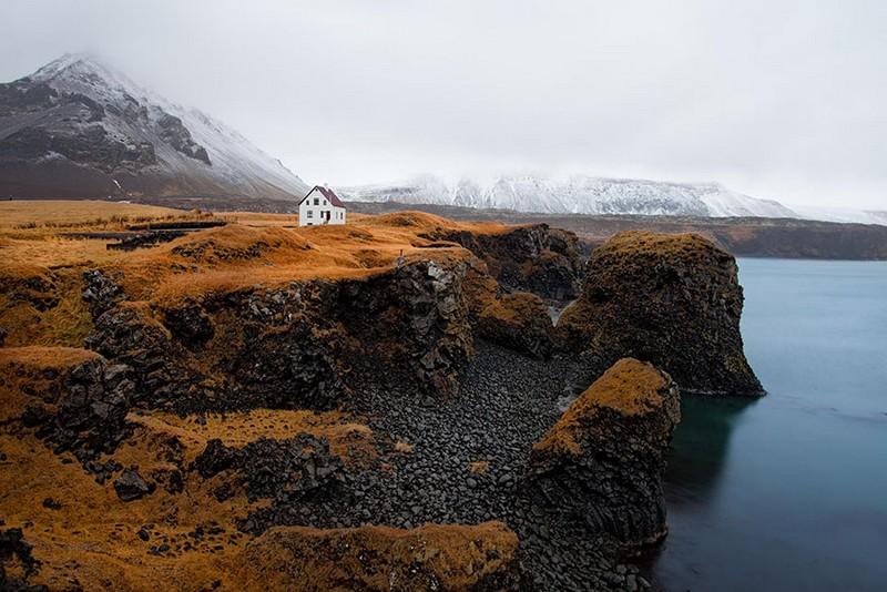Одинокий дом. Исландия.