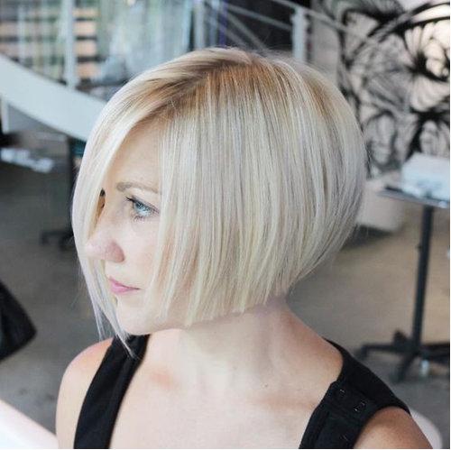 5. Асимметрия на прямых волосах замечательно подходит женщинам после 30 лет.