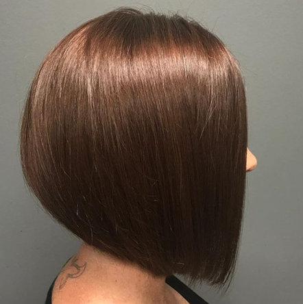 14. Эта асимметричная стрижка особенно хорошо смотрится на прямых волосах.