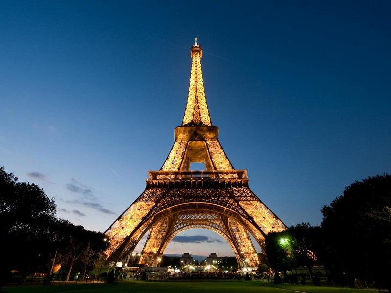 17. Французский был официальным языком Англии более чем сто лет.