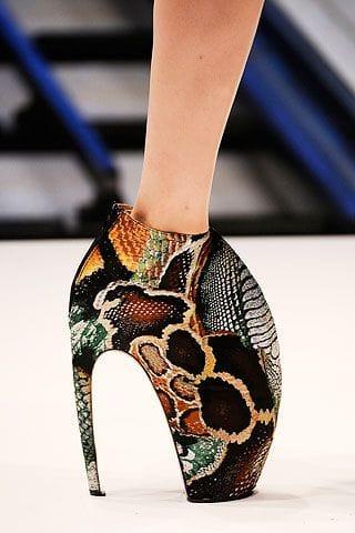 Туфля из шкуры змеи-мутанта