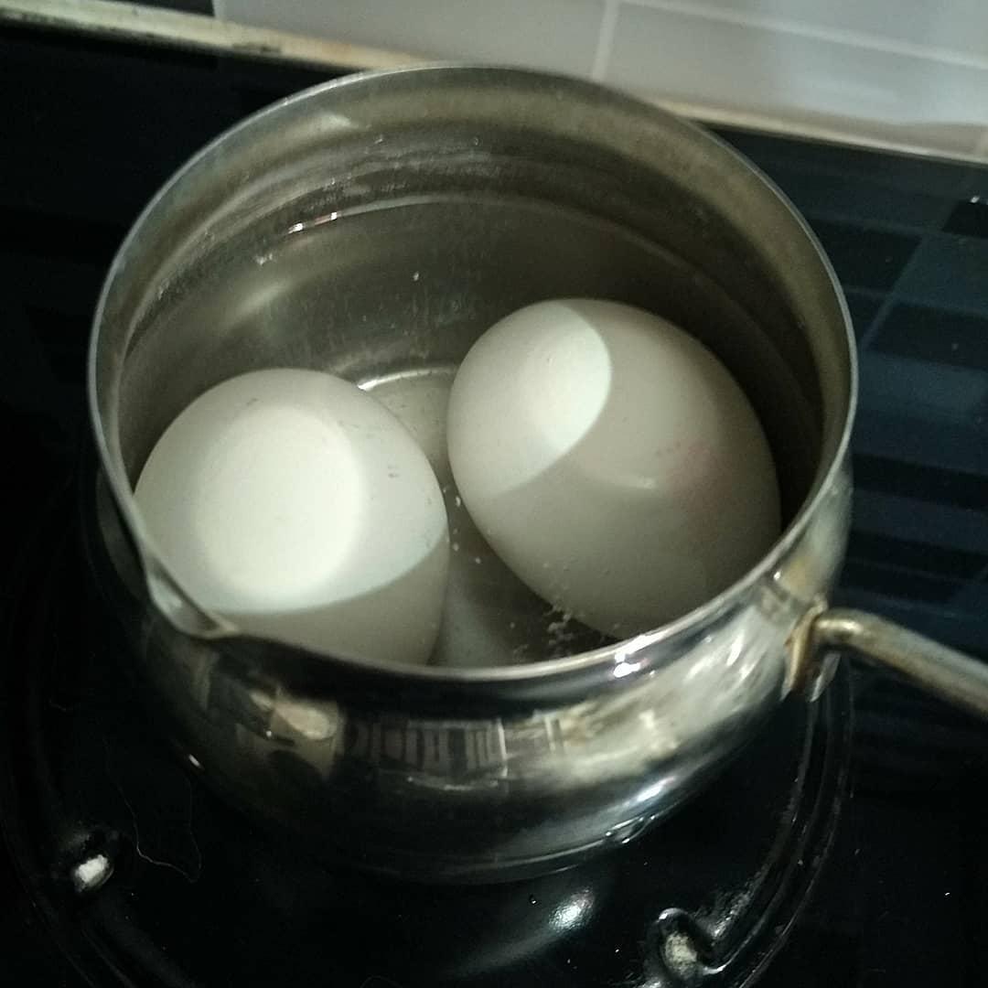 5. «Варёные яйца»
