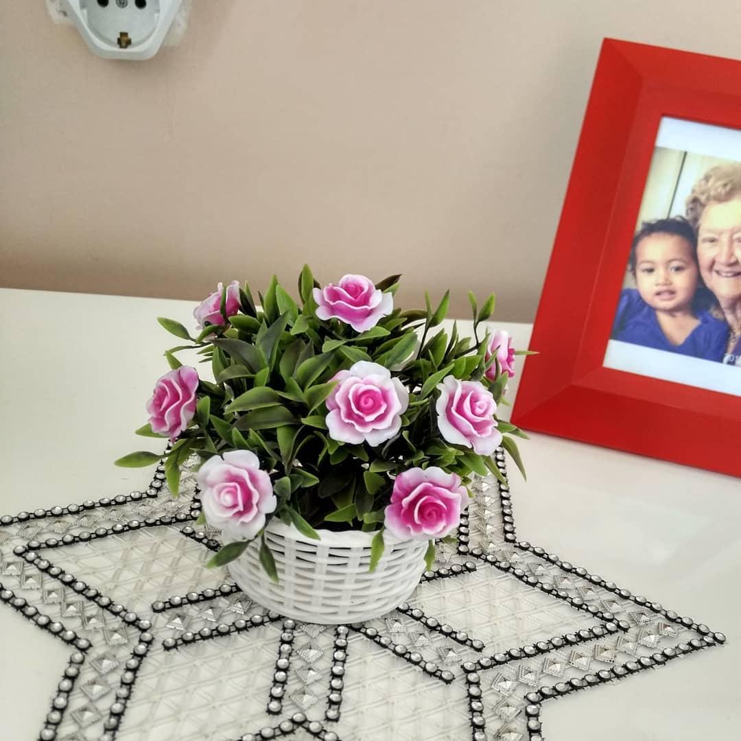 20. «Купила красивый искусственный цветок»