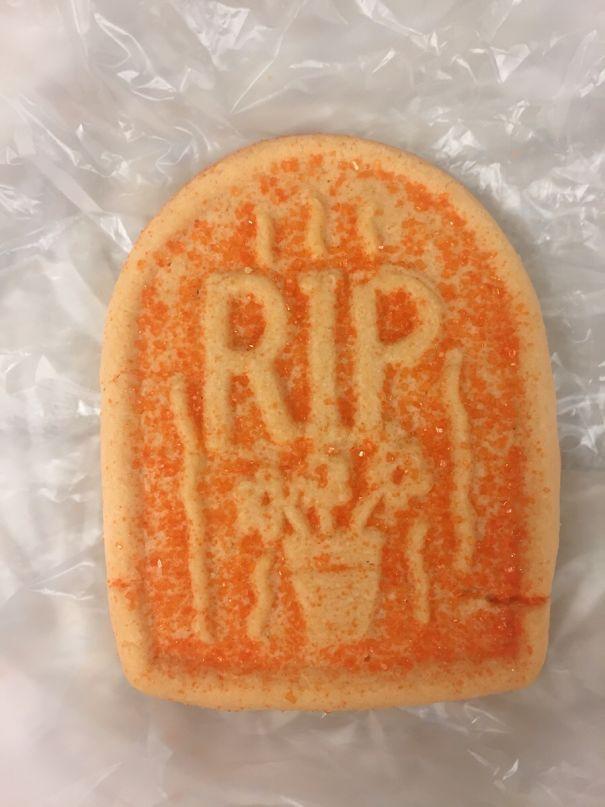 23. «В больнице испекли печения на Хеллоуин. Надеюсь, пациенты всё правильно поняли»