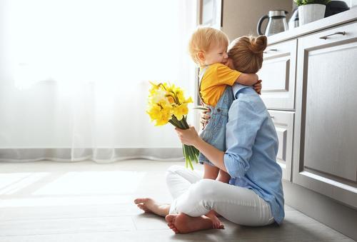 Невероятные факты о сильной связи между матерью и сыном