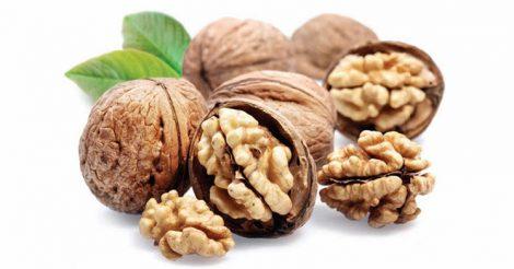 Как колоть грецкие орехи