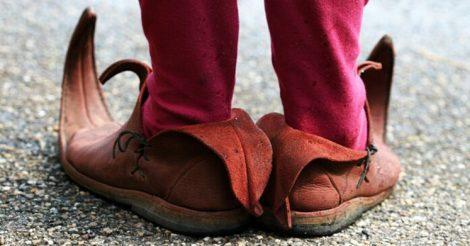 обувь с длинным носком