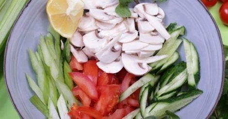 Легкий салат из овощей