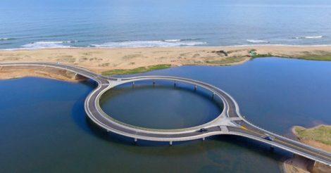 кольцевой мост через лагуну