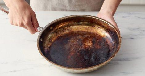 отмыть нагар на сковороде