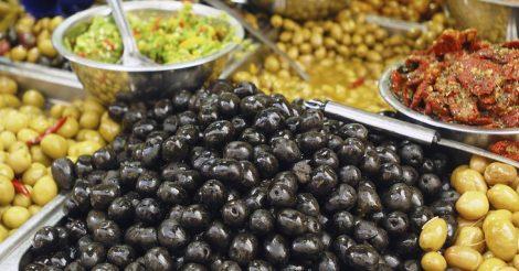 черные оливки